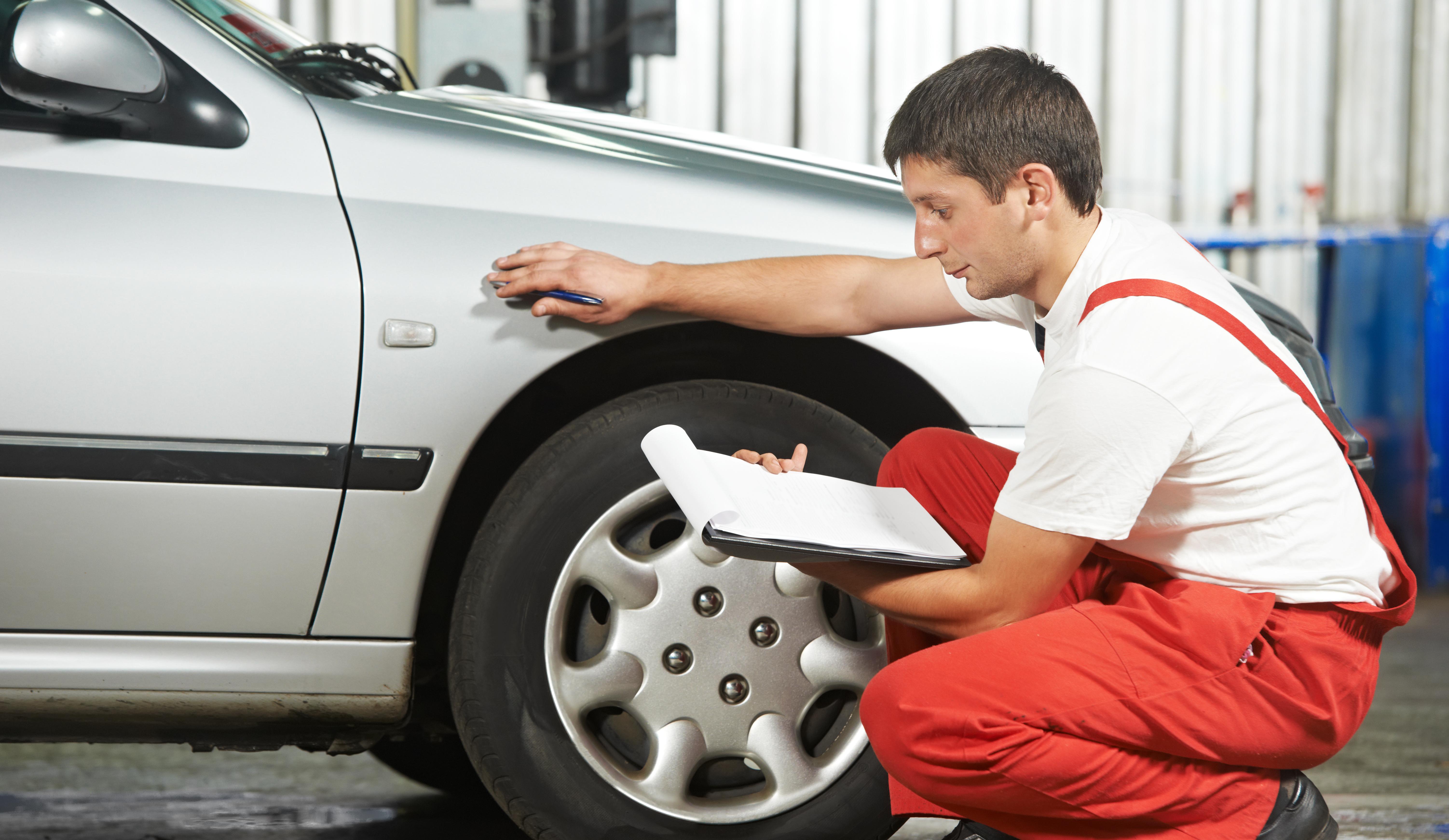 Automaalritöökoda auto